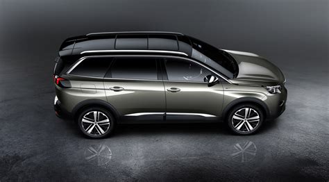 7 Seater Peugeot Peugeot Debuts All New 5008 As A 7 Seater Suv