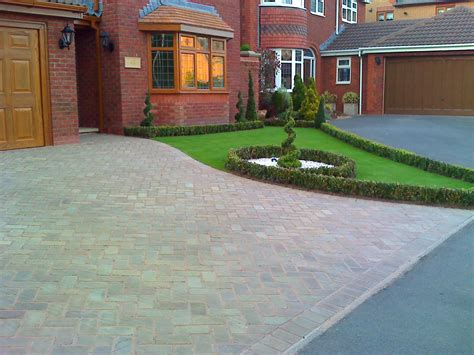 Front Garden Driveway Design Ideas Front Garden And Driveway Design Ideas Garden Front Yard Pinterest Front Yards And Gardens