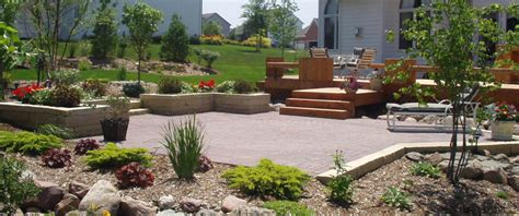 custom landscape design des moines capital landscaping