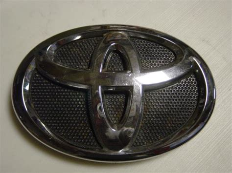 Toyota Camry Logo Replacement Front Blue Emblem Replaced Page 2 Priuschat