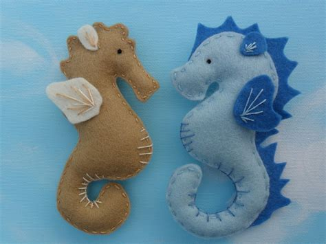 How To Make A Seahorse Out Of A Paper Plate - felt seahorses 183 a fabric magnet 183 sewing on cut out