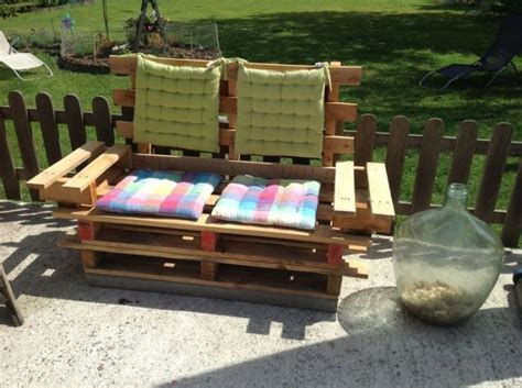 Outdoor Sofa Made From Pallets by Top 30 Diy Pallet Sofa Ideas 101 Pallets