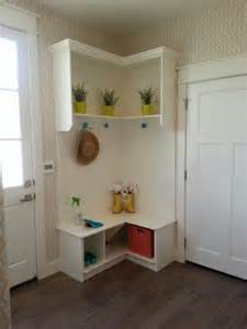 Corner Tables For Hallway 60 Mudroom And Hallway Storage Ideas To Apply Keribrownhomes