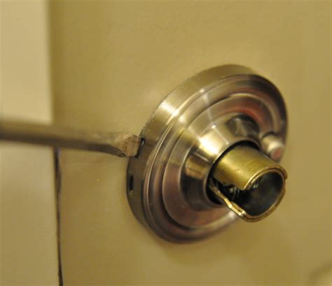 how to remove bedroom door knob how to remove bedroom door knob without screws 28 images