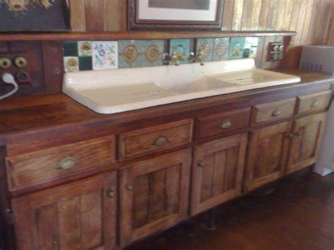 Colonial Kitchen Sink 23 Best Images About Kitchen Designs On Pinterest Traditional House Of Turquoise And Colonial