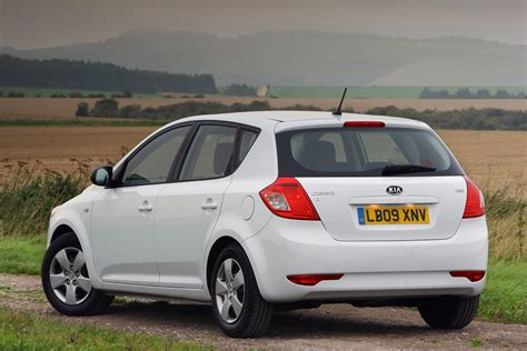 2012 Kia Hatchback Review Kia Ceed Hatchback Review 2007 2012 Parkers