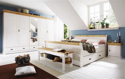schlafzimmer massivholz landhausstil massivholz schlafzimmer set komplett 180x200 kiefer massiv