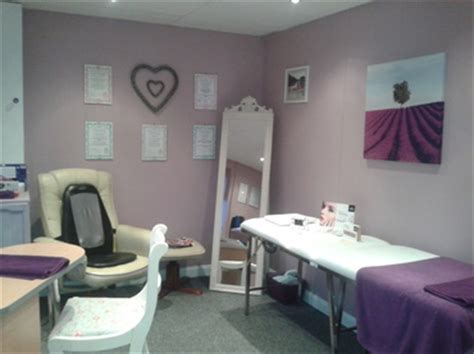 inside out nail salon home