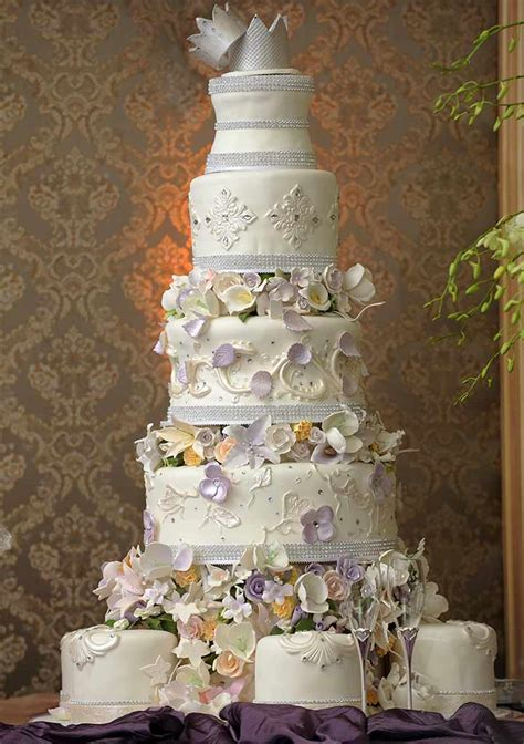 Big Wedding Cakes Pictures by 14 Lip Smacking Ideas For Wedding Cake Designs