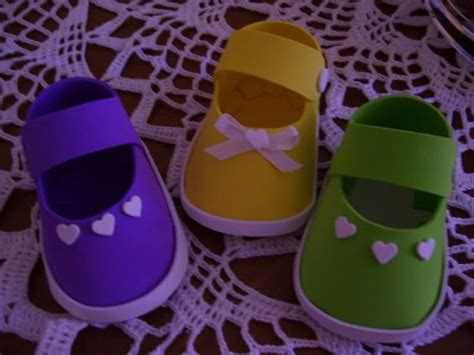 zapatitos unisex para baby shower de foamy o goma eva videomoviles modelos de zapatitos de bebe en goma eva decoraciones
