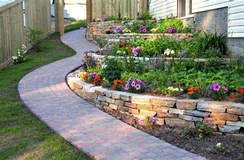pavimenti per giardino in pietra pavimenti in pietra naturale per giardini quale scegliere