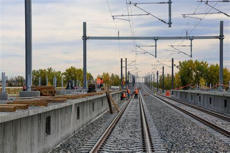 light rail to dia colorado experiences phenomenal success