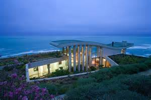 Contemplative sea retreat in chile by raimundo anguita freshome com