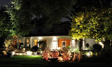 Outdoor Led Landscape Lights How To Design The Landscape Lighting Modern Home Exteriors