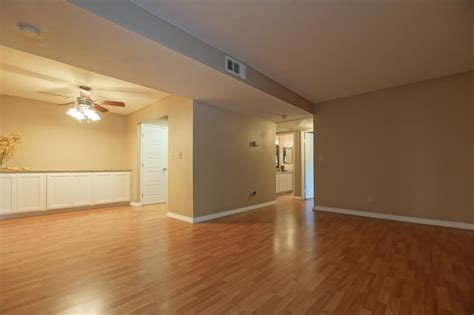 David Todd Living Room Realty Just Listed At Park Vineyard 8309 Vineyard Ave 3