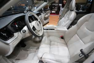 Volvo Xc60 Interior 2018 Volvo Xc60 Rolls Production Line In Sweden