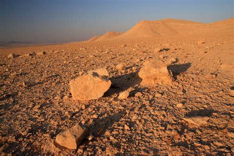 syrian desert file syrian desert 5080513436 jpg wikimedia commons