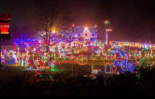 light show in pa 9 pennsylvania houses with amazing christmas decorations