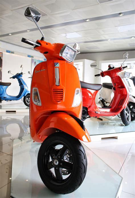 Vespa Modifikasi Warna Orange by Piaggio Vespa Bekasi Jual Vespa Matic