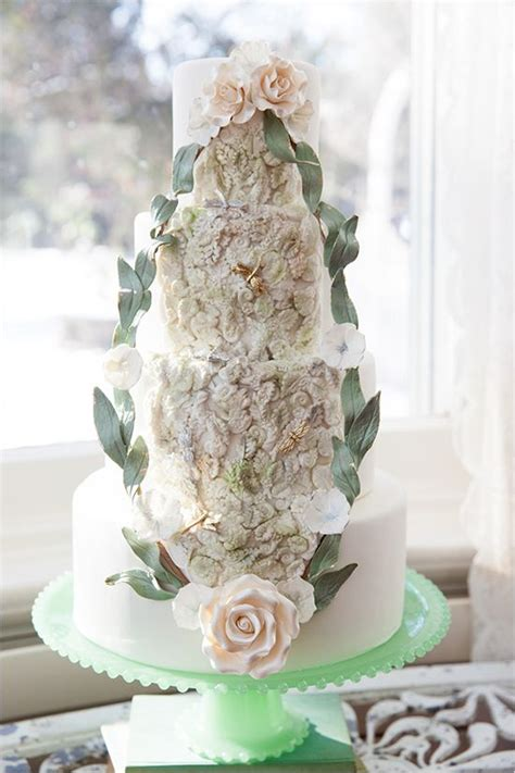 glamorous wedding cake ideas deer pearl flowers