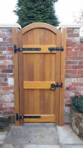 hardwood side entry gate for more secure home fence idea