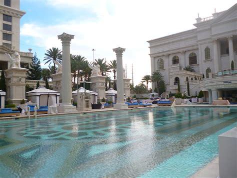 Garden Of The Gods Las Vegas Garden Of The Gods Oasis At Caesars Palace Rosarioknows