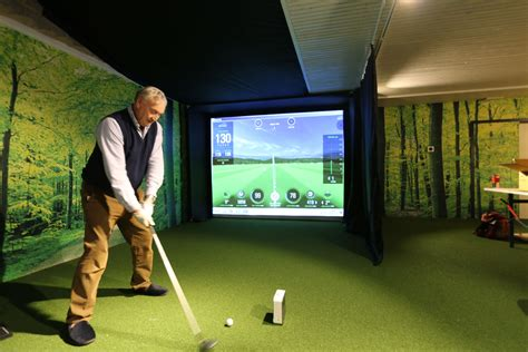Golf Swing Simulator by Skytrak System Golf Simulator Golf Swing Systems