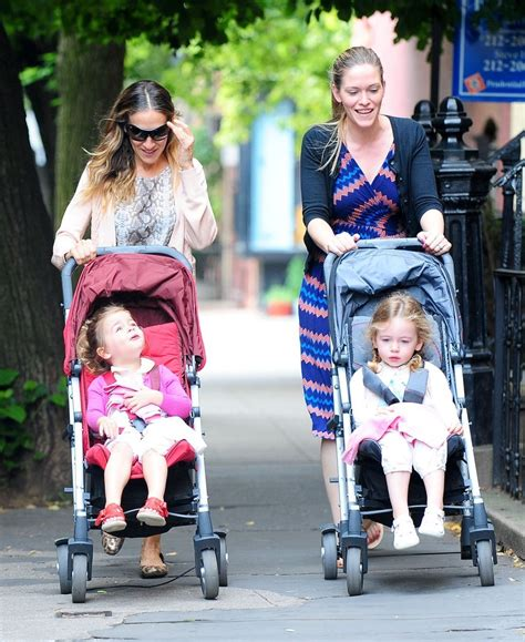 sarah jessica parker with her daughter tabitha broderick in sarah jessica parker takes the kids