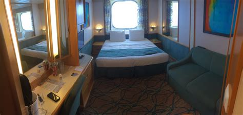 cabin on royal caribbean enchantment of the seas ship
