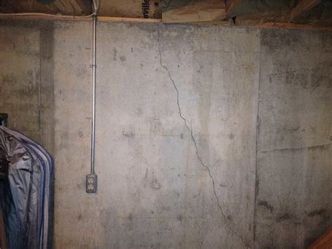vertical cracks in basement walls woods basement systems inc foundation repair photo album signs of a foundation problem