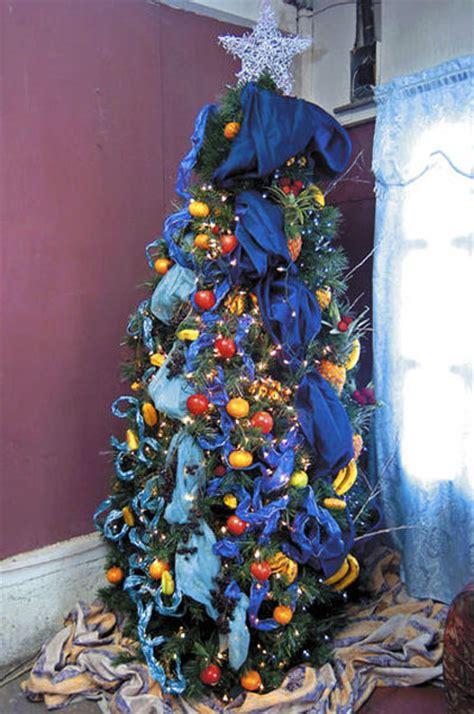decoracion de arboles con cinta decorar el 225 rbol de navidad con frutas