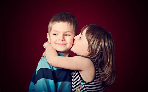 wallpaper couple with baby little cute baby hug and kissing beautiful hd wallpaper
