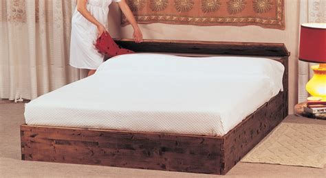 costruire un letto in legno come costruire un letto contenitore in legno massello