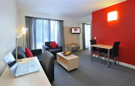 Serviced Appartments Melbourne by Metro Apartments On Bank Place Serviced Apartments