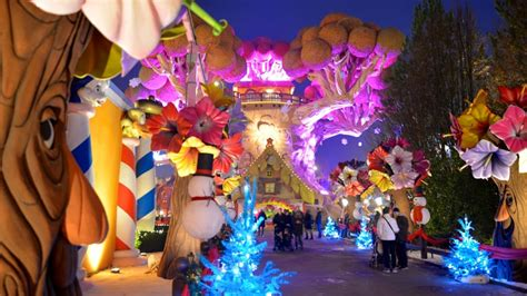 quanto costa l ingresso a gardaland le natale si accendono con gardaland magic winter