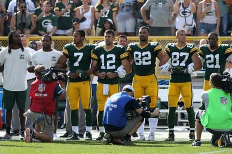 the national football locks how dreads have taken over packers players ask fans attending thursday s game to lock