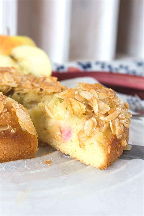 rhabarber apfel kuchen gastblogger rezept rhabarber apfel kuchen mit mandelstich