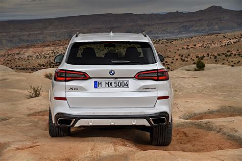 Bmw 2019 X5 by 2019 Bmw X5 Breaks Cover As Bigger Meaner Suv Autoevolution