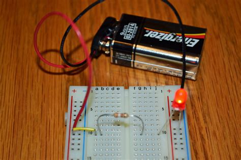 how to make a simple circuit for easy led circuit project science with