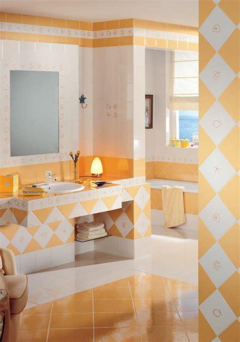 Badezimmer Fliesen Farbig by Fliesen Farbe Je Nach Dem Raum Und Dem Wohnstil Ausw 228 Hlen