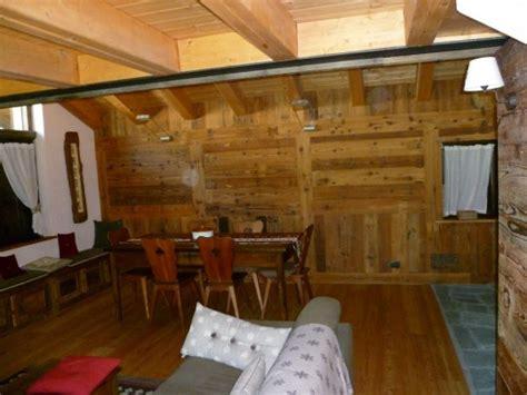 rivestimenti legno interni alpenbau falegnameria serramenti in legno valle d aosta