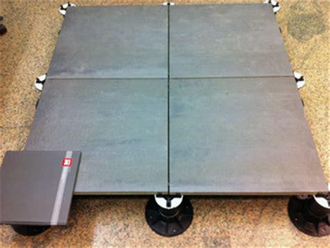 pavimento tecnico sopraelevato pavimenti sopraelevati per esterni mongreen