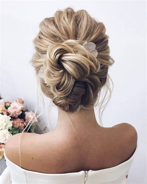 updo for small chin the 25 best bun hairstyles ideas on pinterest buns