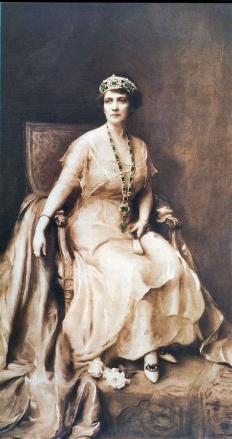 mrs stotesbury and her emeralds in 1926 the year wingwood was completed pastel portrait by принц христофор греческий и датский последний восьмой