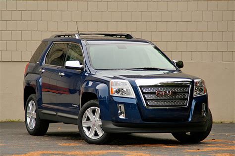 review 2010 gmc terrain a tale of two engines
