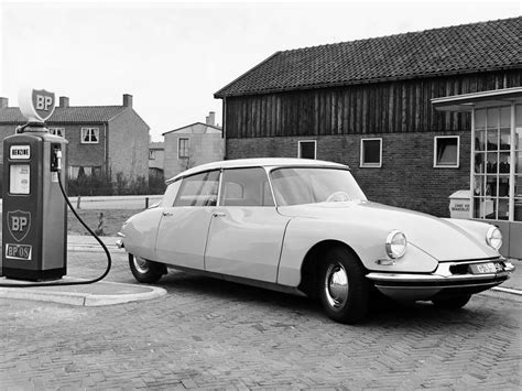 vintage citroen ds citroen ds a look back picture 621363 car news top