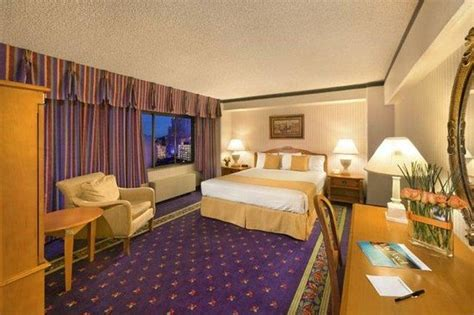 circus circus room rates sky tower standard room two picture of circus circus hotel and casino reno reno