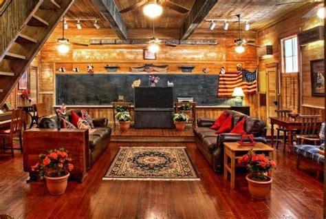 historic kuebler waldrip haus and danville schoolhouse bed