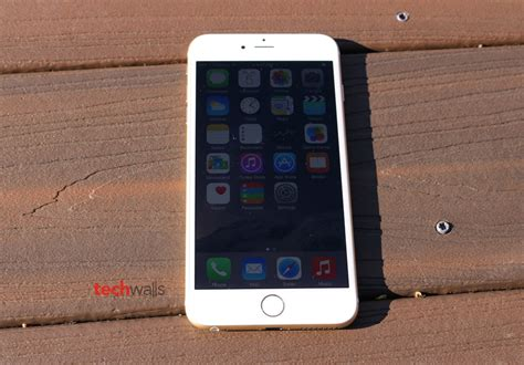 t iphone 6 plus iphone 6 plus gold t mobile review the apple s phablet