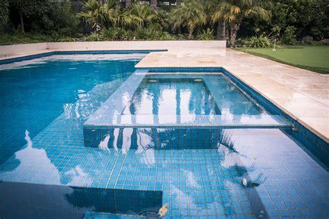 essential tips  designing  planning  pool